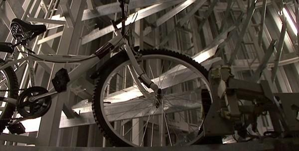 Wow  東京地下自行車停放系統 深11公尺取回只要13秒